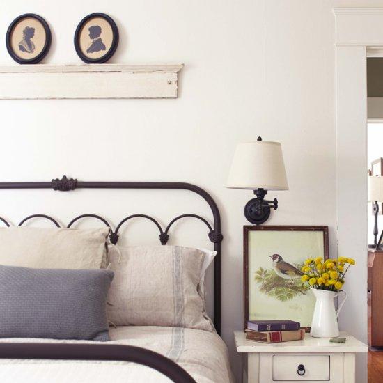 ... 10 Guest Bedroom Essentials