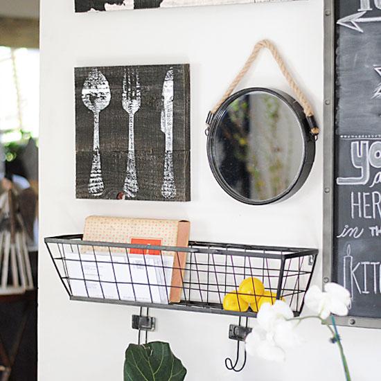a dressed kitchen gallery wall dwellinggawker