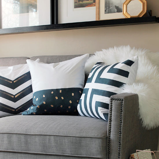 Diy Painted Throw Pillows Dwellinggawker