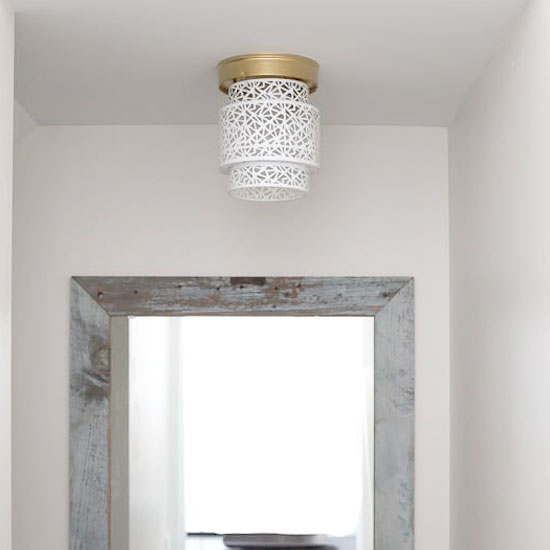 A 5-minute DIY ceiling light swap